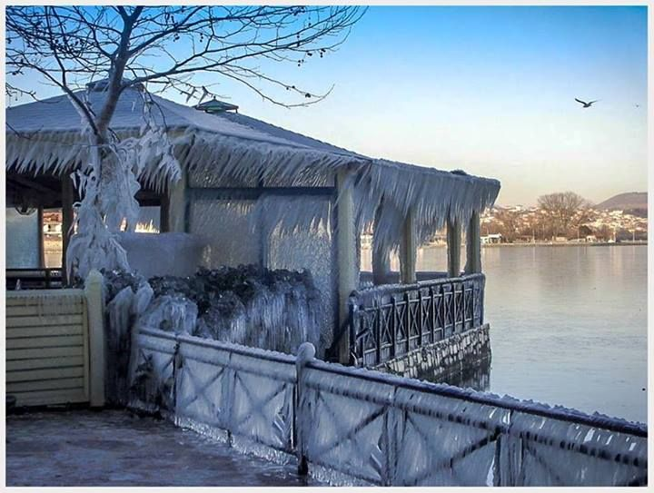 Frozen lake in Ioannina (Epirus), Greece !!