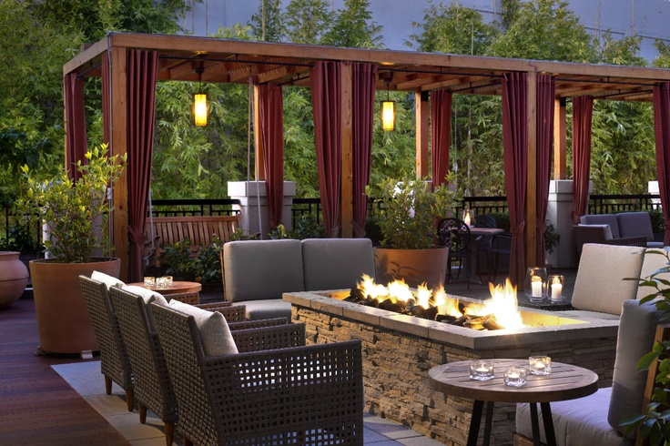 Meet your friends around the fire at Andaz Napa for a warm evening.
