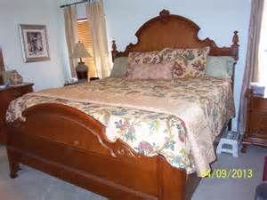 Lexington Victorian Sampler King Mansion Bed