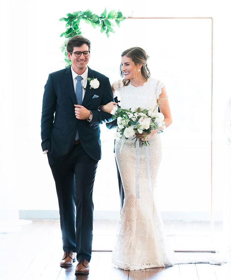 as He promised . . ��  deuteronomy 26:19 // one of my favorites from the sweetest couple and this fairytale Ft Worth wedding! �� @rachelelainephoto  http://gelinshop.com/ipost/1522248896255016752/?code=BUgHU5RAr8w