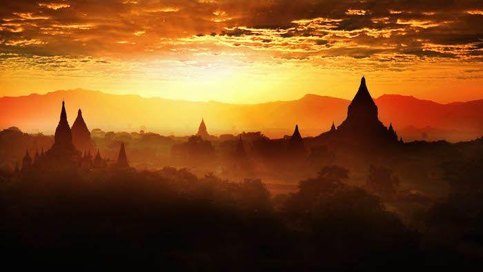 キュレーター松村有希のミャンマー・バガン旅行記一覧は、こちらから。 ミャンマーの都市、バガンに行ってきました。 […]