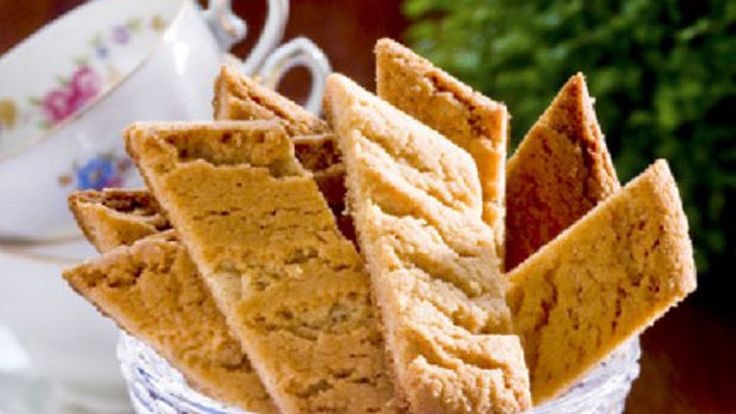 Sega, mumsiga kakor med kolasmak som gillas av alla! Du bakar dem snabbt och lätt efter vårt busenkla recept.