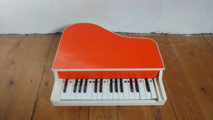 petit piano enfant vintage plus de pieds mais tr s joli son d barras ph m re pinterest. Black Bedroom Furniture Sets. Home Design Ideas
