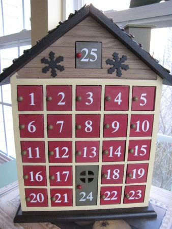 Good advent ideas and only fill one or two days ahead so flexibility and not too much planning