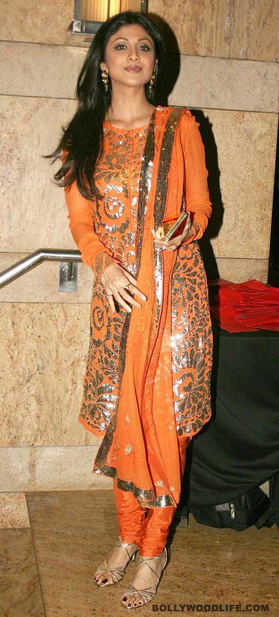 #ShilpaShetty wore this gorgeous full-sleeved salwar-kameez at choreographer Ganesh Hegde's wedding reception