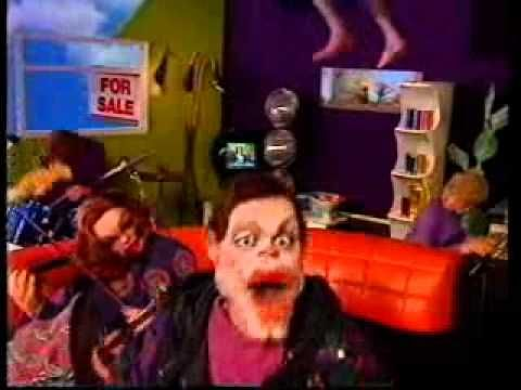 Madness : Our House (spoof from Spitting Images)