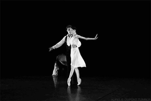 GIF //dance amazing << look at that arch!