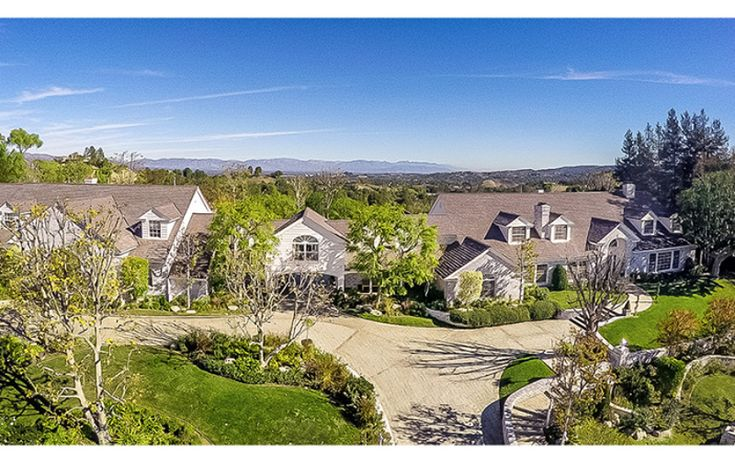 "Jennifer Lopez has listed her 3-acre, 17,000 square-foot California estate because she says, it's ""ridiculously"" big for her small family. Description from warmjello.com. I searched for this on bing.com/images"