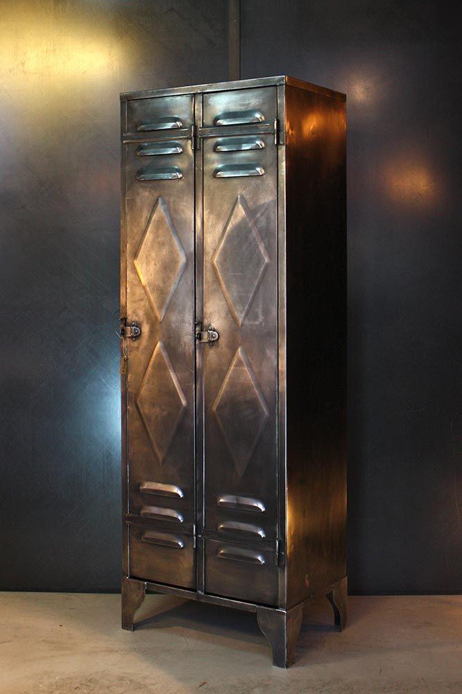 Ancien Vestiaire Industriel 2 Portes Vers 1930 Joli Detail De Panneautage En Losange Finition Metal Brut Vestiaire Industriel Industriel Casiers Metalliques
