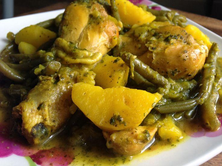 Tagine à la marocaine, poulet, haricots verts, pommes de terre |