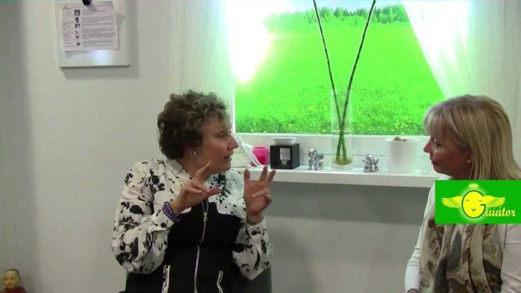 """Mabel es internacionalmente reconocida como una autoridad en el antiguo arte hawaiano de Ho'oponopono, es la creadora de Zero Frequency ®. Es autora del libro """"El Camino Más Fácil"""" En Guiátor, Mabel nos habla de como mejorar la vida, nos explica que es Ho'oponopono, Frecuencia Cero, como salir de la crisis... www.ElCaminoMasFacil.com"""