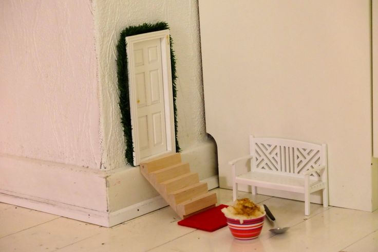 Nissedør, nissesjov, nissedrillerier, diy, christmas, elf, door, miniature