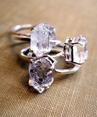 Ringen met onbewerkte ruwe diamanten