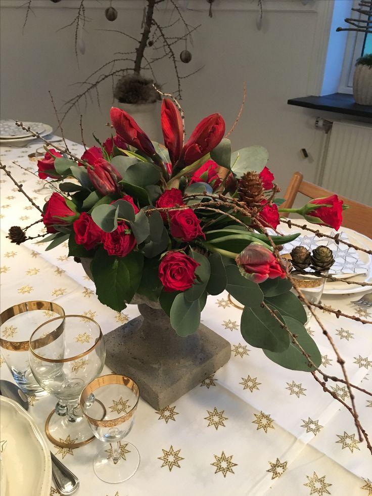 Dekoration i rød til julebordet