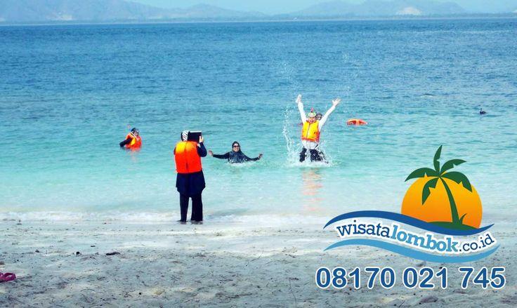 Yuk Lihat Surga Bawah Laut Terindah di Wisata Lombok http://goo.gl/M0F8TA  #wisatalombok #wisatadilombok #wisatakelombok #keindahansurgabawahlaut #surgabawahlaut #lombok