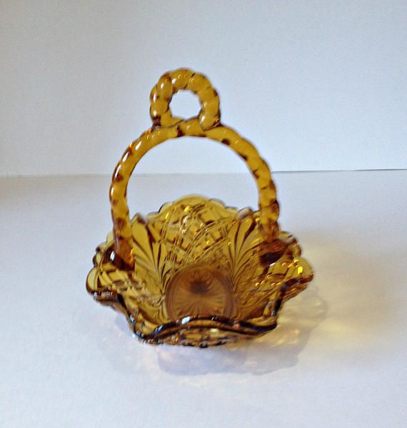Hey, I found this really awesome Etsy listing at https://www.etsy.com/uk/listing/526178123/vintage-art-deco-amber-glass-dish