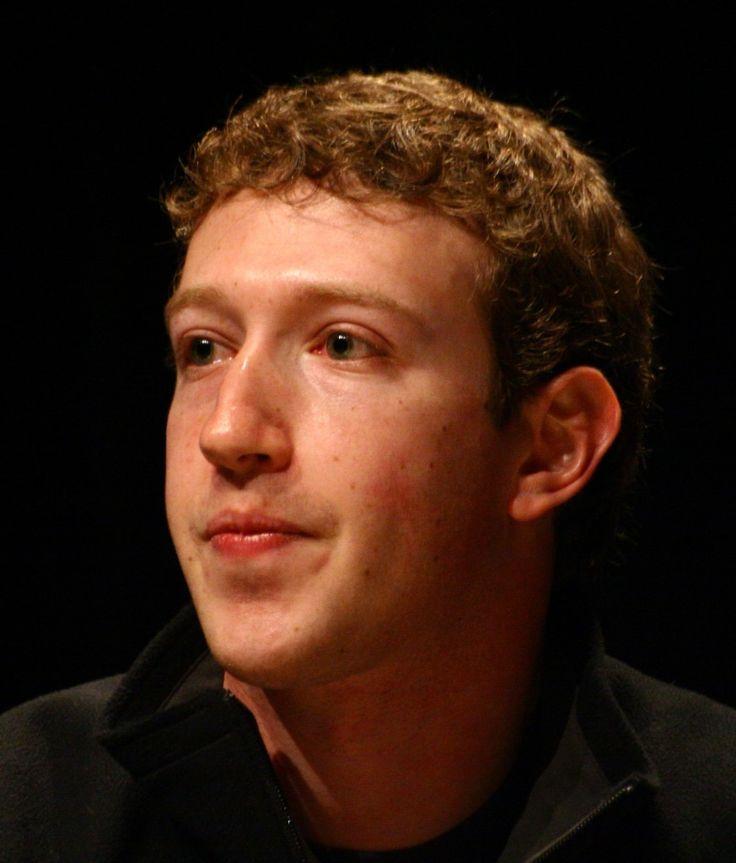 """""""La gente vuole andare su internet e curiosare sugli amici. E allora facciamo un sito che dia a tutti quello che vogliono: foto, profilo, magari cerchi qualcuno che hai conosciuto a una festa. Io parlo di prendere l'intera esperienza sociale del college e metterla in rete."""" Mark Zuckerberg, biografia, curiosità e citazioni"""
