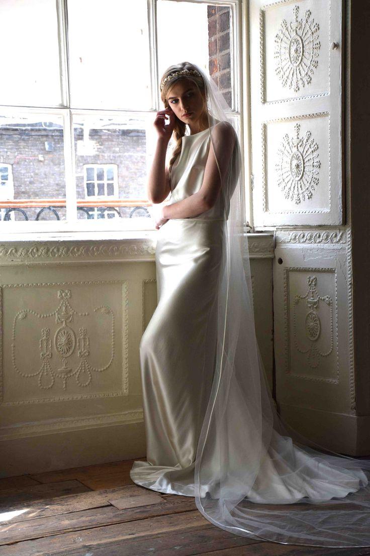 Edwina Arya Ebulus Gown with Satin Edge Veil www.edwinaarya.com