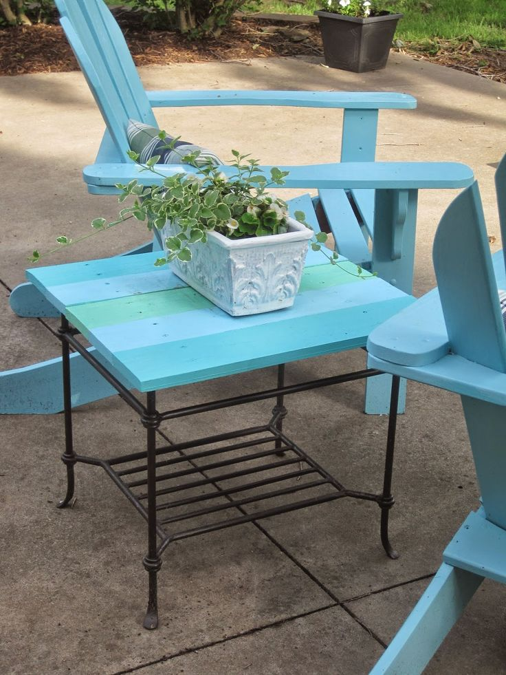 Decorated Chaos: Patio Table Makeover Using DecoArt Patio Paint