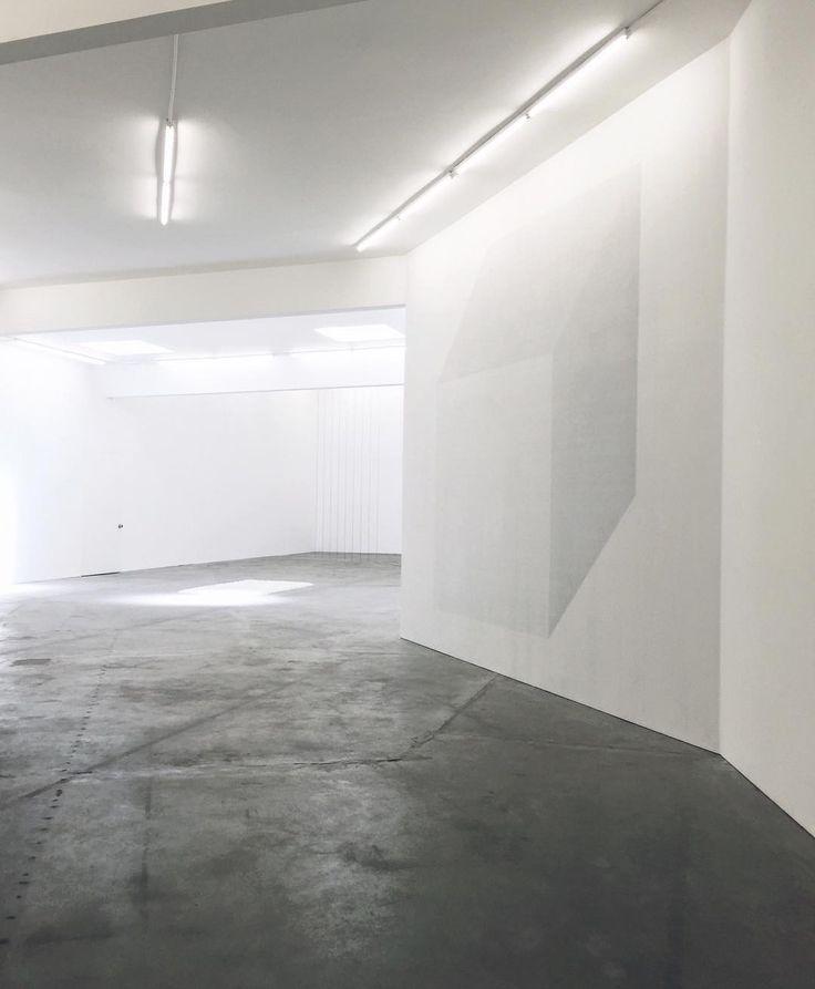 'vanishing point' by emidur