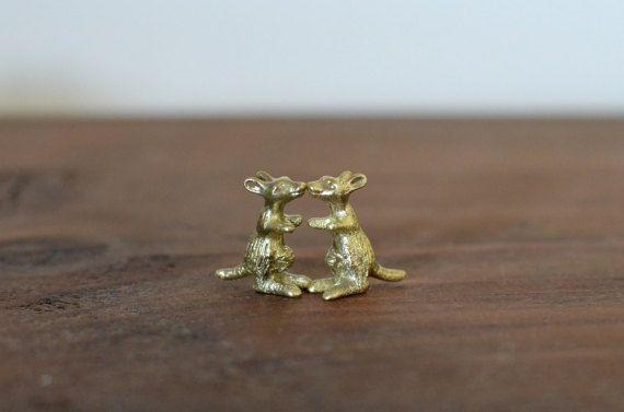 Kangaroo necklace Kangaroo jewelry Australian animals by MyElesi