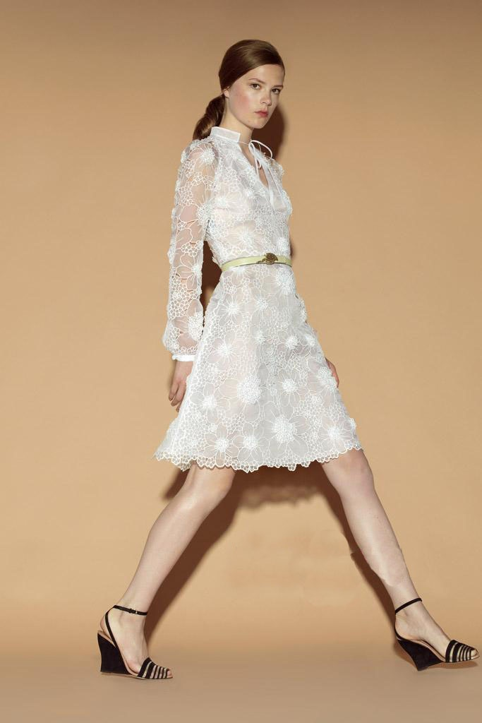 Retail Hot Star KM AK Brand 2012 summer white organza quality embroidered dress quality slim one piece dress-in Dresses from Apparel & Accessories on Aliexpress.com