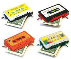 Recicla tus viejos Cassettes y conviértelos en monederos retros