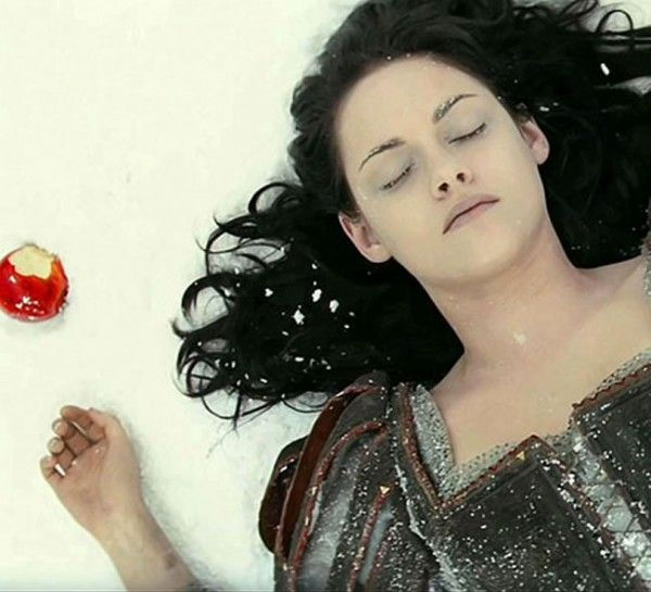 """branca de neve filme   Filme """"Branca de Neve e o Caçador"""" inspira duas coleções de ..."""