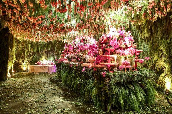 A ideia de Vitoria era criar um jardim secreto para sua festa de 15 anos. Com a ajuda da 1-18 Project, ela conseguiu exatamente o que queria, transformando