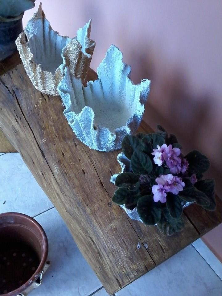 vasos de cimento e toalha  CIMENTO E GESSO E FONTES