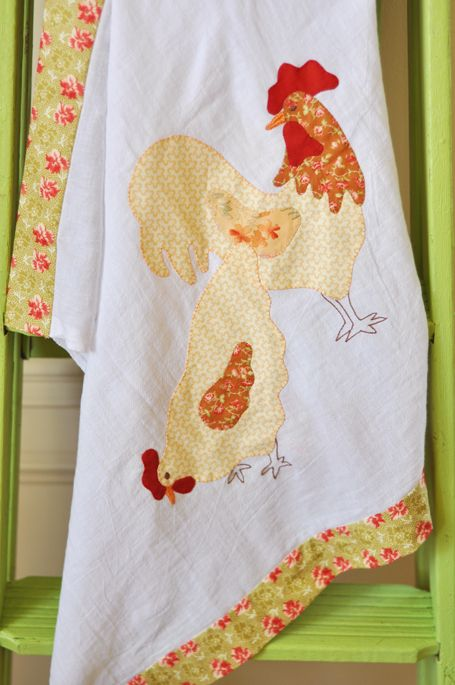 Chicken Scratch--free pdf pattern: Chicken Pattern, Teas Towels, Kitchens Stuff, Chicken Quilts, Quilts Appliques Patterns, Chicken Scratch, Crafts Idea, Figs Trees, Country Crafts