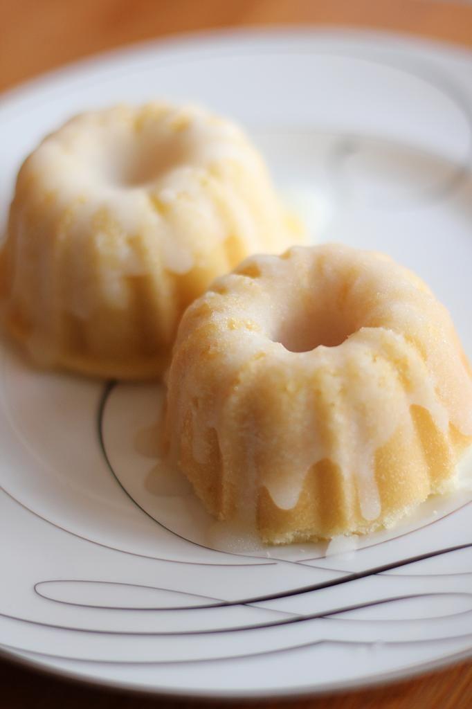 Lemon Mini Bundt Cakes