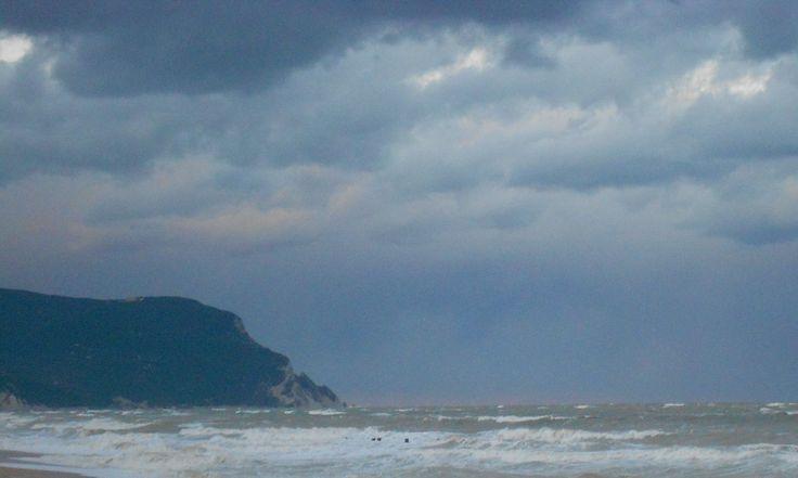 Il fascino del mare in burrasca, Riviera del Conero