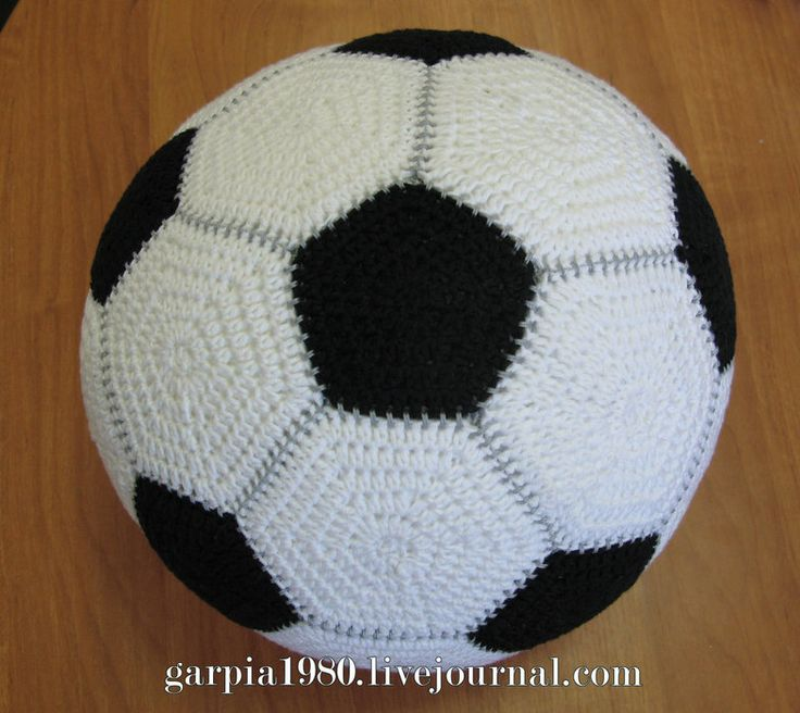 crochet charts for the two hexagones needed to make this football! (The whites are the bigger hexa et the blacks the smaller ones). 16 whites and 10 blacks are needed!!