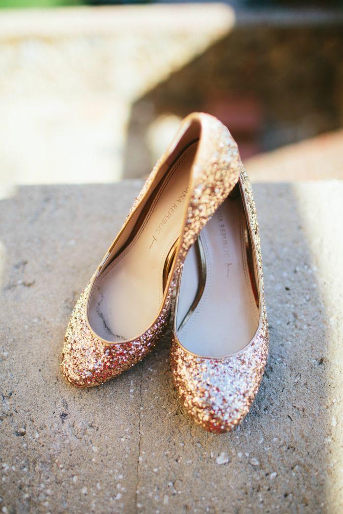 fa6cdbac2fedc chaussure mariee, escarpin mariage, sequins et paillettes, chaussure plate  mariage, bouts arrondis, chaussure dorée mariage