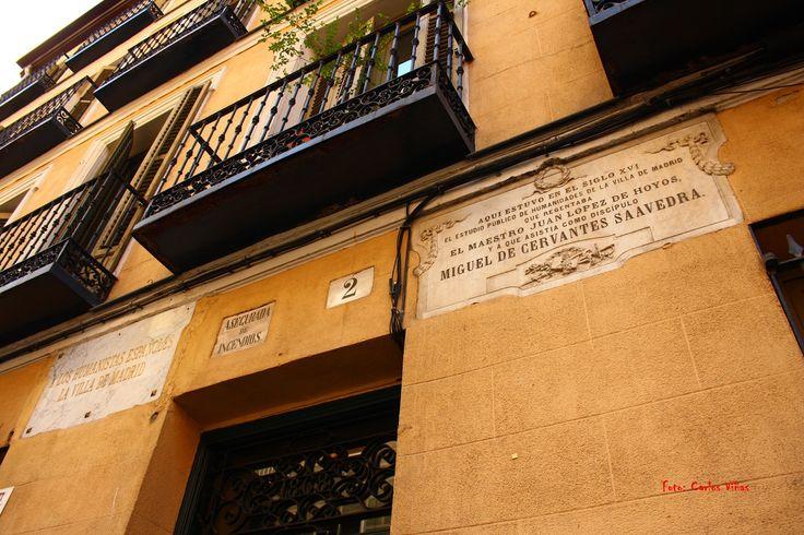 Lugar donde estudió Miguel de Cervantes. Calle de la Villa. Madrid