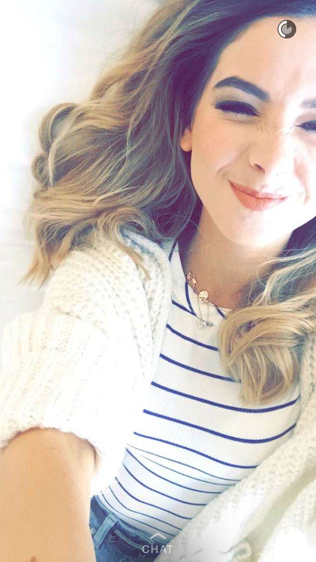 Zoella is so pretty in this
