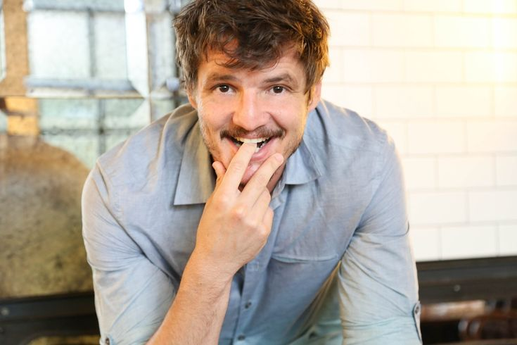 Pedro Pascal [Oh, the cuteness! *dead*] * [Interview: http://www.thenewpotato.com/2014/07/07/pedro-pascal-on-barking-post-shoot-game-of-thrones-and-the-perfect-first-date/]