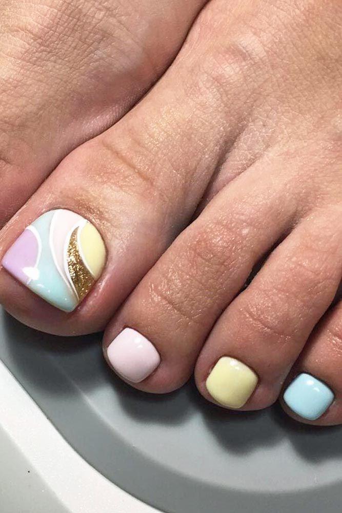 Pretty Toe Nail Designs for Your Beach Vacation ★ See more: http://glaminati.com/toe-nail-designs-beach/