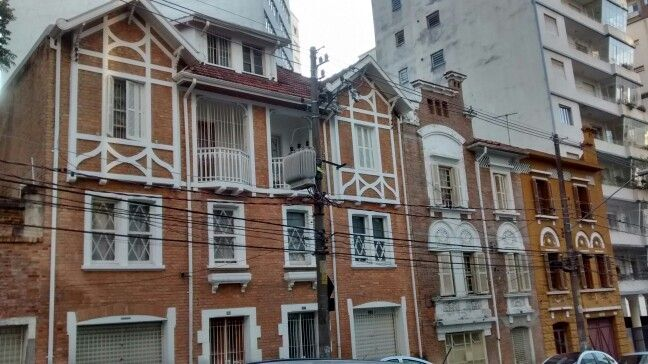 Rua Alfredo Lelis/São Paulo BR 06/2017