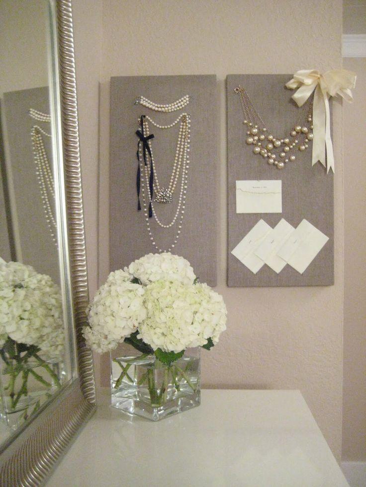 Canvas DIY jewelry display http://thesmithnest.blogspot.ro/2011/12/jewlery-display.html