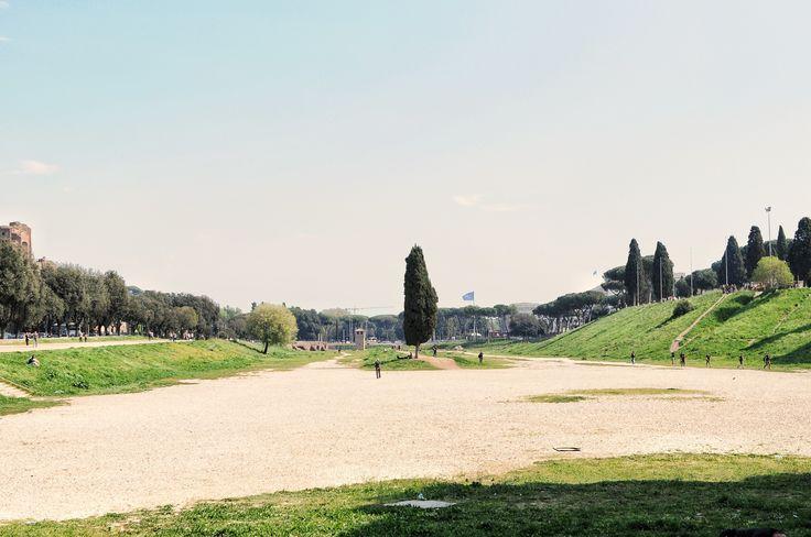 der Circus Maximus in Rom, der Hauptstadt von Italien. Wagenrennen, Sklaven, Gladiatoren: Die Römer verstanden es, ein Spektakel zu veranstalten