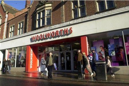 Woolworths Sydney Street closed in 2003