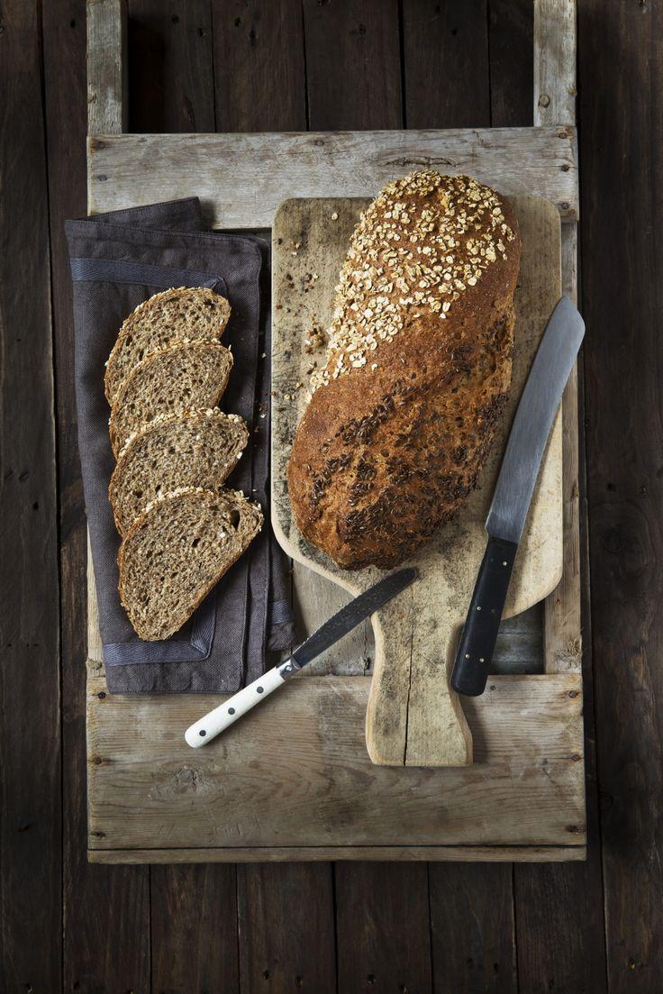 Klikk her for å komme til en av finalistene av Opplysningskontoret for brød og korn sin brødoppskriftskonkurranse 2014. Et godt, grovt brød bakt med flere typer korn og en morsom tvist på utseendet.