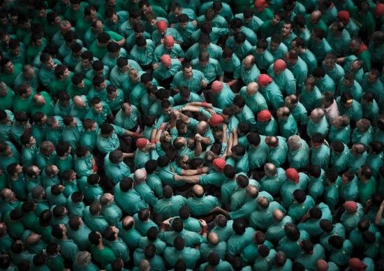 Human Towers: Aerial Photos by David Oliete | Inspiration Grid | Design Inspiration