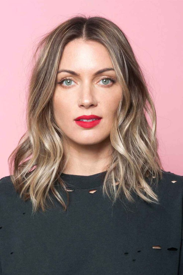 "This is the perfect way to weave blonde tones into brown hair—basically, it's the consummate ""bronde."""