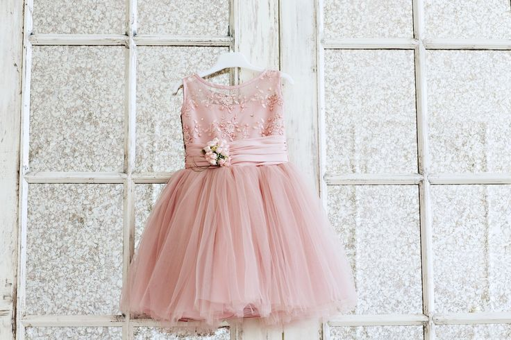 Нарядное, нежное розовое платье для девочки | Прокат детских платьев
