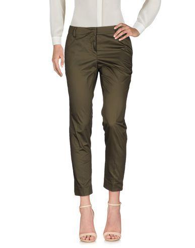 LES COPAINS Casual pants. #lescopains #cloth #
