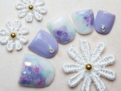 夏の大人カラーはこれ爽やかな青紫色のネイルポリッシュ5選
