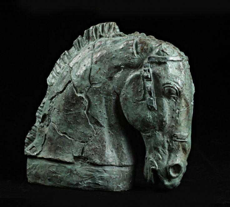 Émile Antoine BOURDELLE (1861-1929) Tête de cheval Bronze à patine verte. Sold 6 201€ with Artprecium #artauction